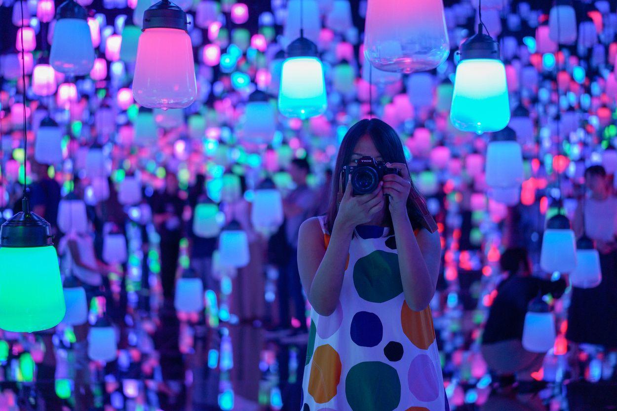 Mori Digital Art Museum door 52Hzwhale