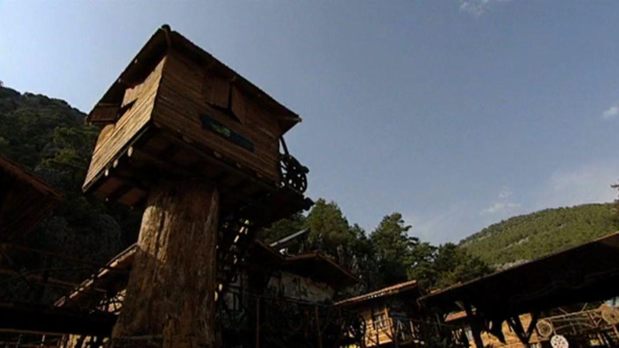 Sebastiaan Threehouse camp 3.png_3254221344.png