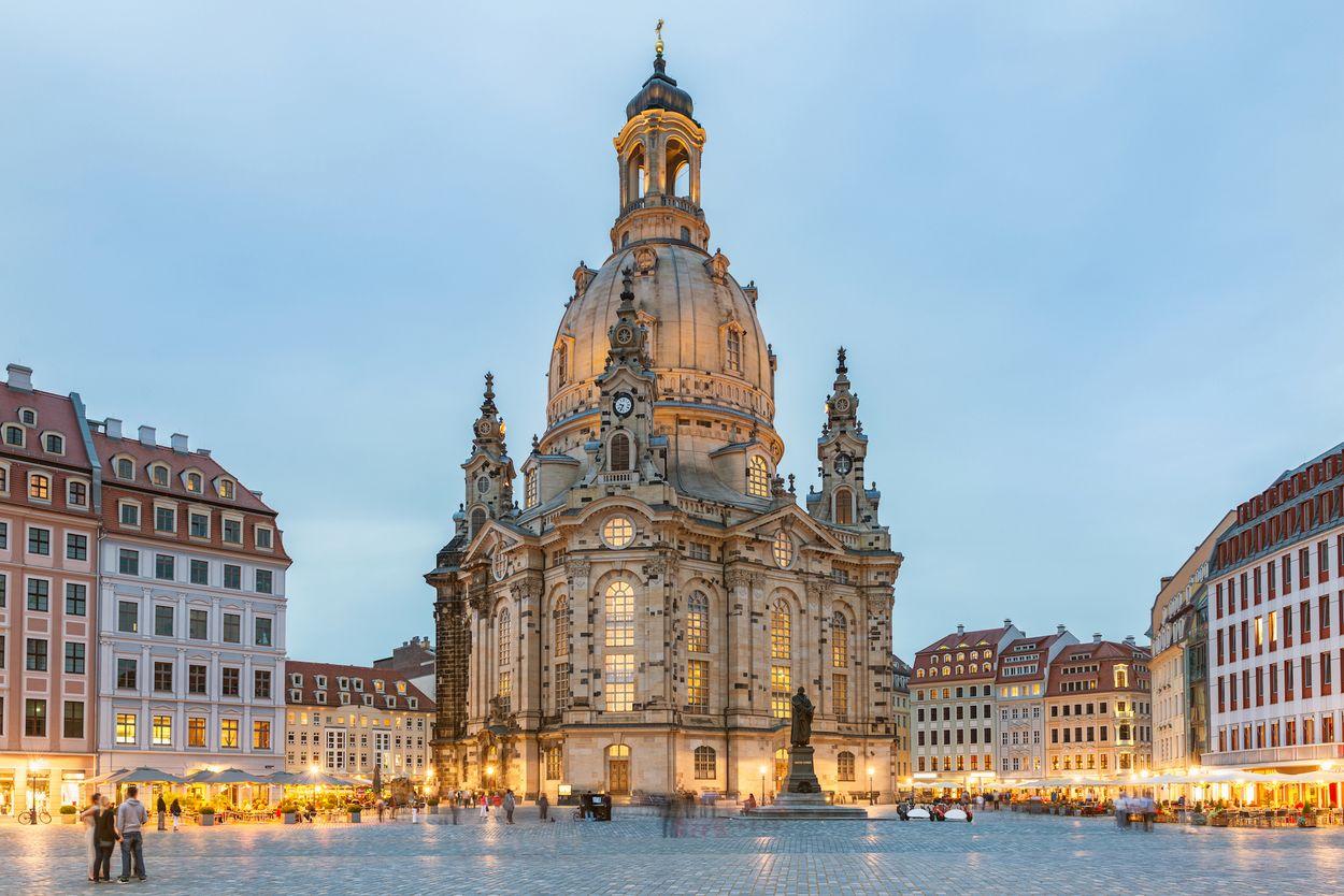 Dresden door tichr