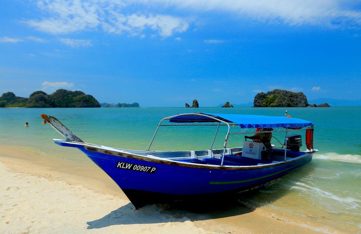 beach-sea-coast-ocean-boat-shore-1079380-pxhere.com