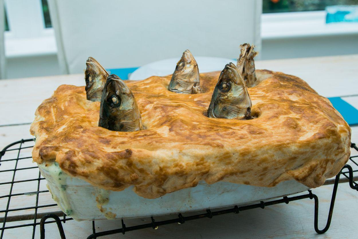 Afbeelding van Dit merkwaardige 'starende' gerecht eten ze in Cornwall