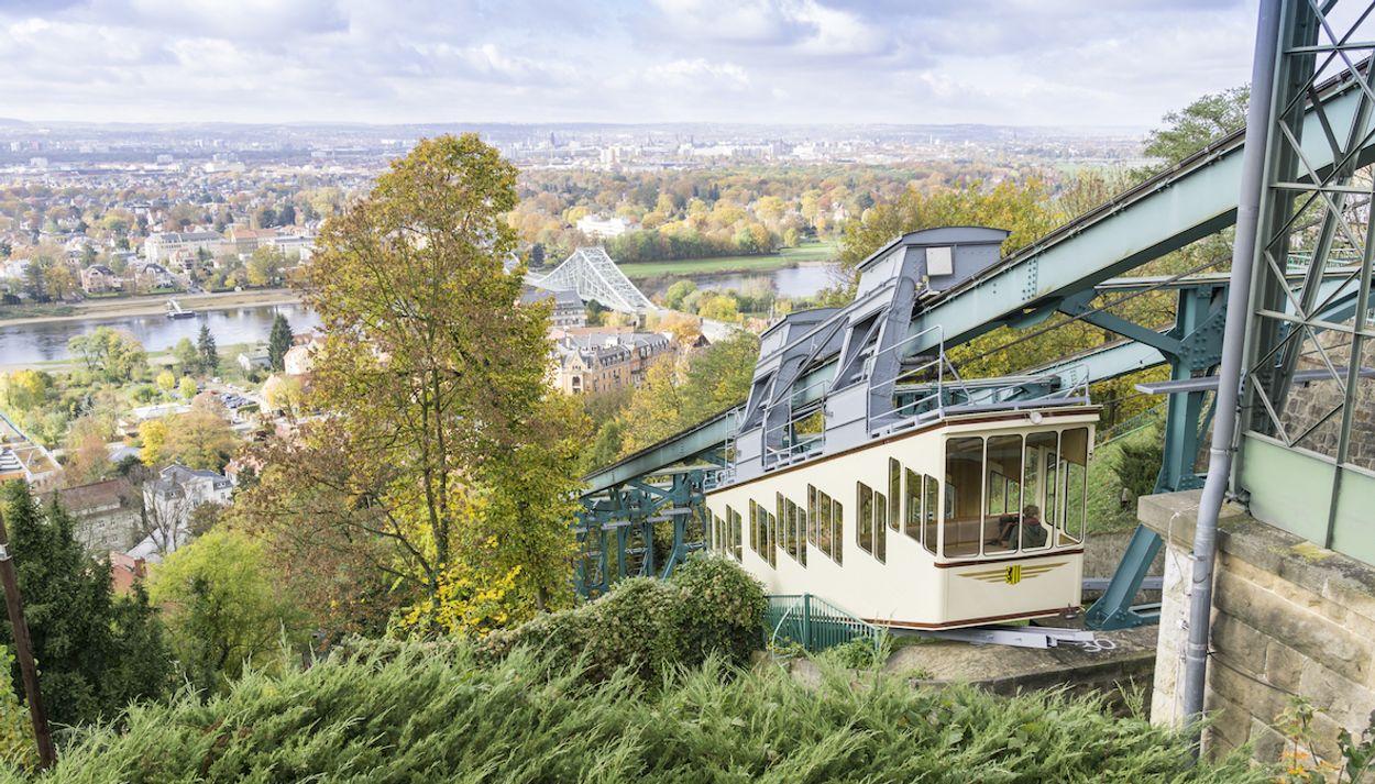 Dresden kabelbaan door Gabor Tinz