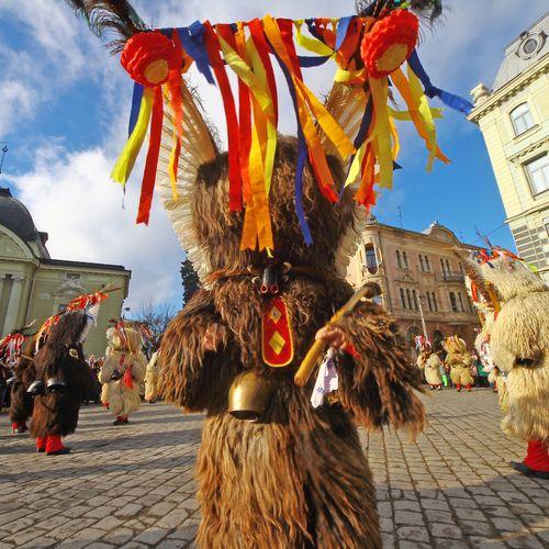 Afbeelding van Carnaval in Slovenië: de winter wegjagen met ruige schapenvellen en rinkelende koeienbellen
